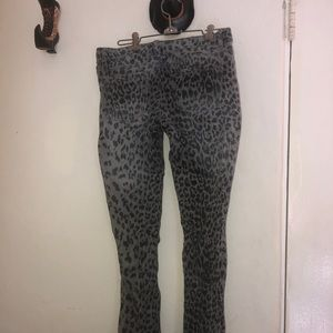 Grey leopard skinny jeans